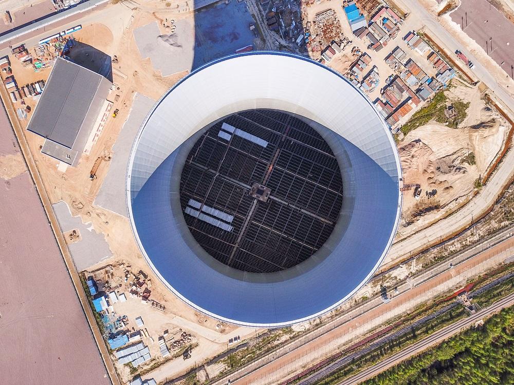 Продолжаются работы в башенной испарительной градирне строящегося энергоблока ЛАЭС