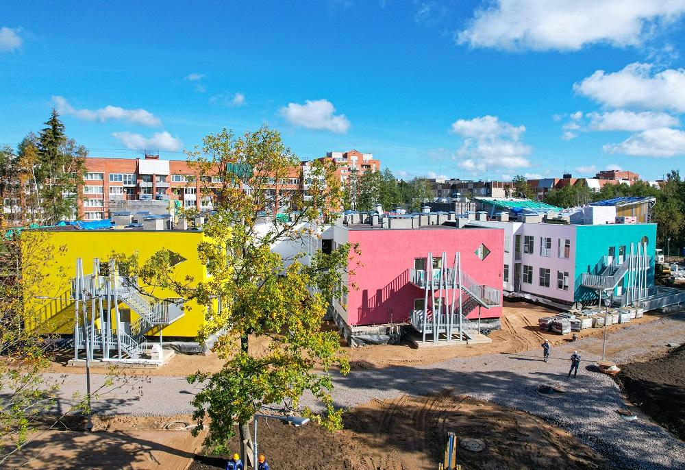 «КОНЦЕРН ТИТАН-2» продолжает строительство детского сада в Сосновом Бору с опережением сроков