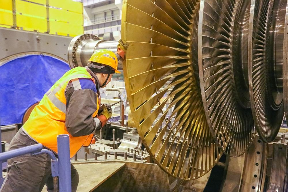 Турбоагрегат второго энергоблока Ленинградской АЭС-2 проходит проверку после постановки на валоповорот