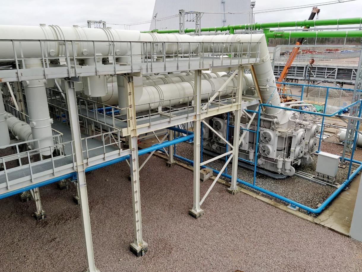 Специалисты АО «СЭМ» заканчивают монтаж схемы выдачи мощности на строящемся энергоблоке Ленинградской АЭС